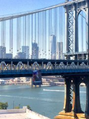 putin_banner_manhattan_bridge_full